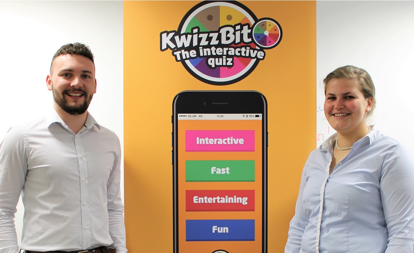 Chris Hart and Angelika Wehnert join Kwizzbit (002)
